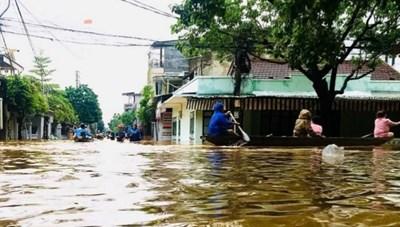 Quảng Ninh ủng hộ 4 tỉnh miền Trung 9 tỷ đồng khắc phục hậu quả bão số 7