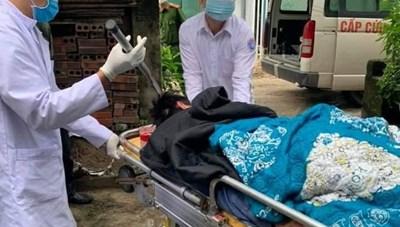 Quảng Ninh: Bắt giữ nghi phạm vụ 'dao quắm dính vào đầu'