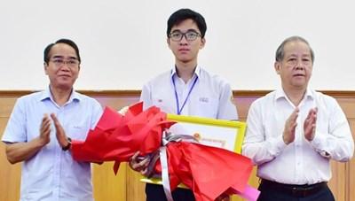 Tuyên dương học sinh đạt Huy chương Vàng kỳ thi Olympic Sinh học quốc tế