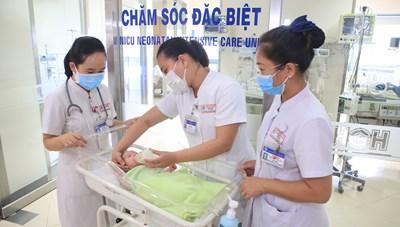 Thừa Thiên – Huế: Kịp thời cứu sống 2 mẹ con sản phụ mắc Covid-19 nguy kịch