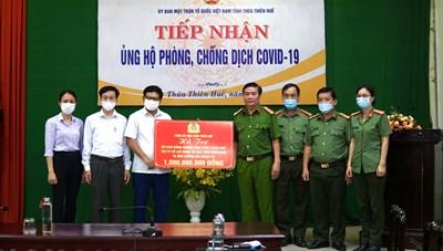 Mặt trận Thừa Thiên - Huế tiếp nhận hơn 1 tỷ đồng ủng hộ bà con đồng hương phía Nam
