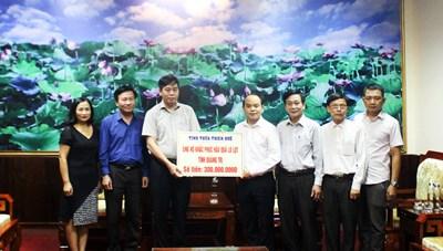 Thừa Thiên – Huế hỗ trợ Quảng Trị 300 triệu đồng khắc phục hậu quả mưa lũ