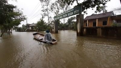 Thừa Thiên - Huế: Mưa lớn, nhiều nơi lại ngập sâu