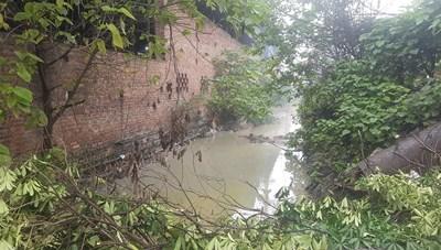 Phạt gần 1 tỷ, đình chỉ sản xuất hai doanh nghiệp gây ô nhiễm ở làng nghề giấy Phong Khê