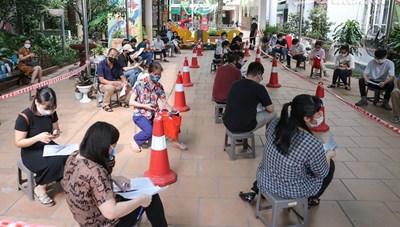 Hà Nội: Quận Hoàn Kiếm dẫn đầu tốc độ tiêm chủng