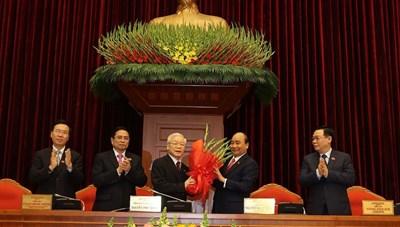 Ông Nguyễn Phú Trọng tiếp tục được bầu làm Tổng Bí thư khóa XIII