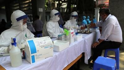 Thành ủy Hà Nội tăng cường các biện pháp cấp bách để chống dịch Covid-19