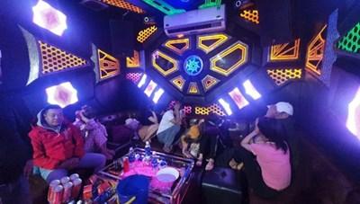Quảng Nam: 9 đối tượng dương tính ma túy tại quán karaoke