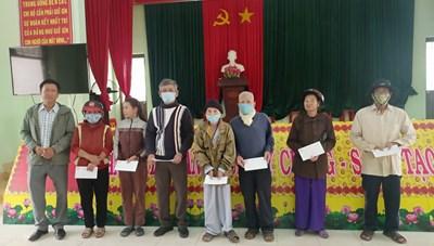 Sơn Tịnh (Quảng Ngãi): Gần 1.500 suất quà Tết đến với hộ nghèo