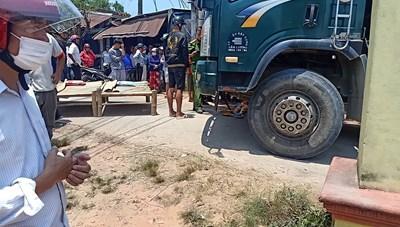 Quảng Nam: Xe tải tông 2 cháu nhỏ tử vong