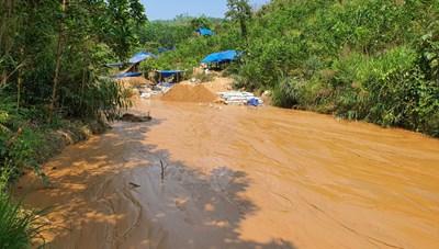 Một phu vàng bị đá đè tử vong tại bãi vàng Bồng Miêu
