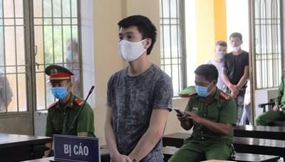Quảng Nam: Đánh người tại quán lẩu, một thanh niên lãnh án 9 năm tù