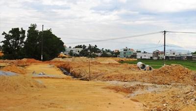 Quảng Nam: Mới san lấp mặt bằng đã rao bán đất tiền tỷ trên mạng