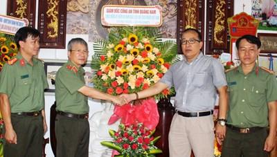 Quảng Nam: Giám đốc Công an tỉnh thăm, chúc mừng Văn phòng báo Đại Đoàn Kết