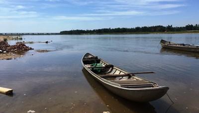 Quảng Ngãi: Kích điện bắt cá, 2 vợ chồng chết thảm