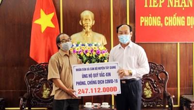 Quảng Nam: Tiếp nhận gần 300 triệu đồng ủng hộ Quỹ vaccine