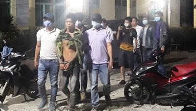 Quảng Ngãi: Thanh niên dùng dây điện siết cổ mẹ ruột tử vong