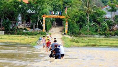 Học sinh tỉnh Quảng Nam nghỉ học phòng tránh bão số 5