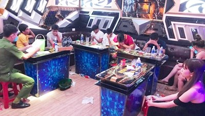 Quảng Nam: Lại phát hiện quán karaoke Hoàng Gia 5 để khách dùng ma túy