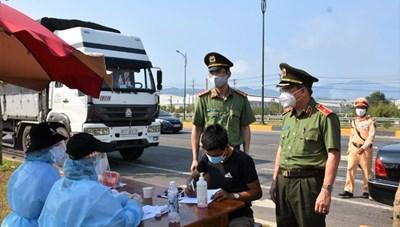 Người tiêm 2 mũi Covid-19 đến Quảng Nam phải cách ly 14 ngày
