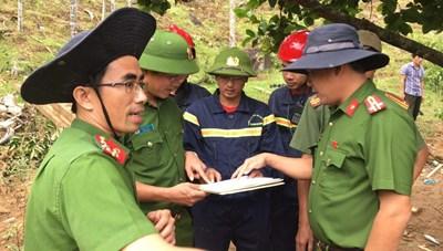 Công an Quảng Nam tích cực tìm kiếm nạn nhân vụ sạt lở núi ở Trà Leng