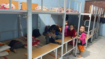 Quảng  Nam: Lo sạt lở, người dân Trà Leng sơ tán trước bão số 10