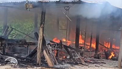Quảng Nam: Cháy nhà trong đêm, 2 cháu bé tử vong