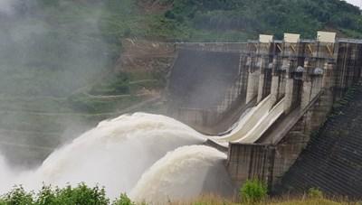 Quảng Nam: Yêu cầu các hồ thủy điện xả nước đón lũ