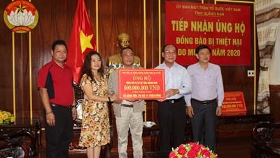 Mặt trận tỉnh Quảng Nam tiếp nhận 500 triệu đồng ủng hộ bà con vùng lũ lụt
