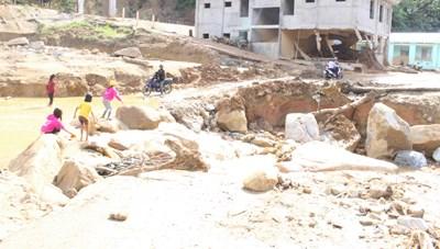 Quảng Nam: Tìm thấy thi thể một phu vàng bị nước lũ cuốn trôi
