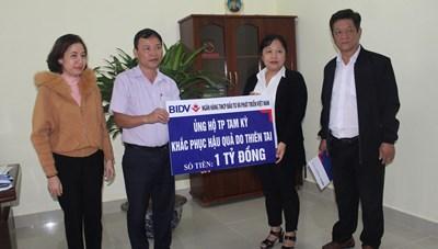 Quảng Nam: Mặt trận TP Tam Kỳ tiếp nhận 1 tỷ đồng ủng hộ người dân khắc phục thiên tai