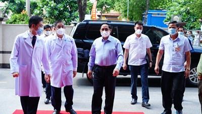 Thủ tướng Phạm Minh Chính kiểm tra công tác phòng chống bệnh tại các bệnh viện TP HCM