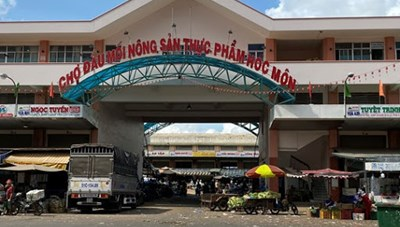 TP Hồ Chí Minh thông báo khẩn tìm người từng đến 3 chợ đầu mối Hóc Môn, Bình Điền và Sơn Kỳ