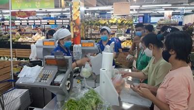 TP HCM: Trong 7 ngày qua, giá cả tại các chợ truyền thống biến động mạnh