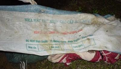 Công an Sơn La thông tin vụ thi thể phụ nữ bị bỏ trong bao tải dưới hồ