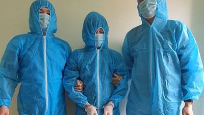 Hàng chục nghìn tỷ đồng vận chuyển trái phép ra nước ngoài: Mánh khóe tinh vi của đôi nam nữ
