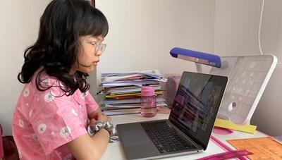 Hà Nội cho học sinh nghỉ học từ 4/5: Phụ huynh 'chạy không kịp'