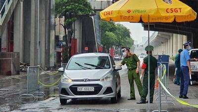 Hà Nội: Người dân lúng túng với quy định mới về giấy đi đường