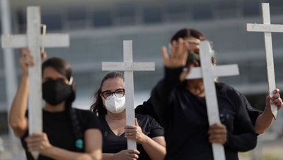 Brazil: 600.000 ca tử vong, kịch bản tồi tệ nhất tạm thời chấm dứt