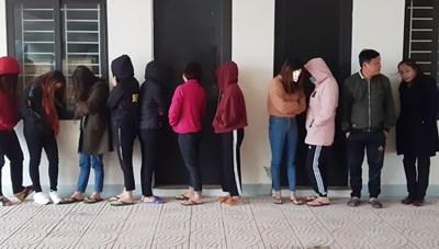 Hai 'ổ nhền nhện' ở Hà Tĩnh: 200 nghìn/lượt bán dâm
