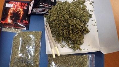 Tài xế Lexus dương tính với ma túy sau khi hút 'thuốc lào' do khách để lại