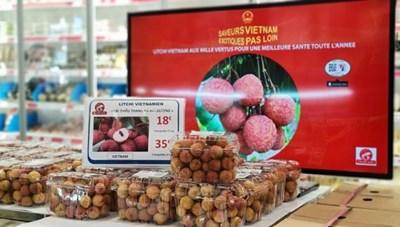 Vải thiều Việt 'phủ sóng' các kênh siêu thị tại Pháp