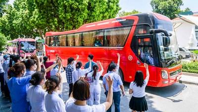 Y bác sĩ Bệnh viện Bạch Mai tiếp tục chi viện cho TP Hồ Chí Minh
