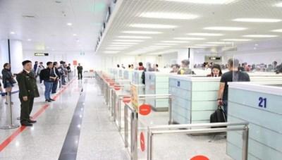 Quy trình cách ly người nhập cảnh trên chuyến bay thương mại quốc tế