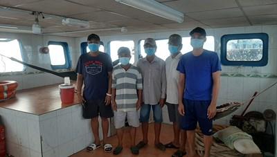 Lại phát hiện thêm 2 sà lan, bắt giữ 5 người nhập cảnh vào Phú Quốc