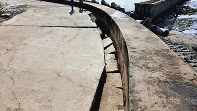 Bạc Liêu: Tiếp tục sụt lún tại bờ kè cửa biển Nhà Mát