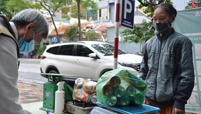 Phiên chợ đổi phế liệu lấy nông sản: Nhân lên ý thức bảo vệ môi trường