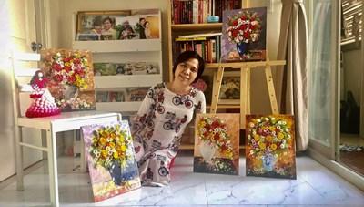Người phụ nữ có biệt tài 'biến' đất sét thành tranh vẽ