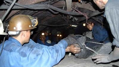 Quảng Ninh: Một thợ lò tử vong do đá rơi vào người
