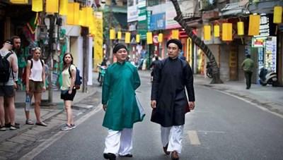 Họa sĩ Nguyễn Đức Bình: Không để áo dài xa rời bản sắc văn hóa Việt